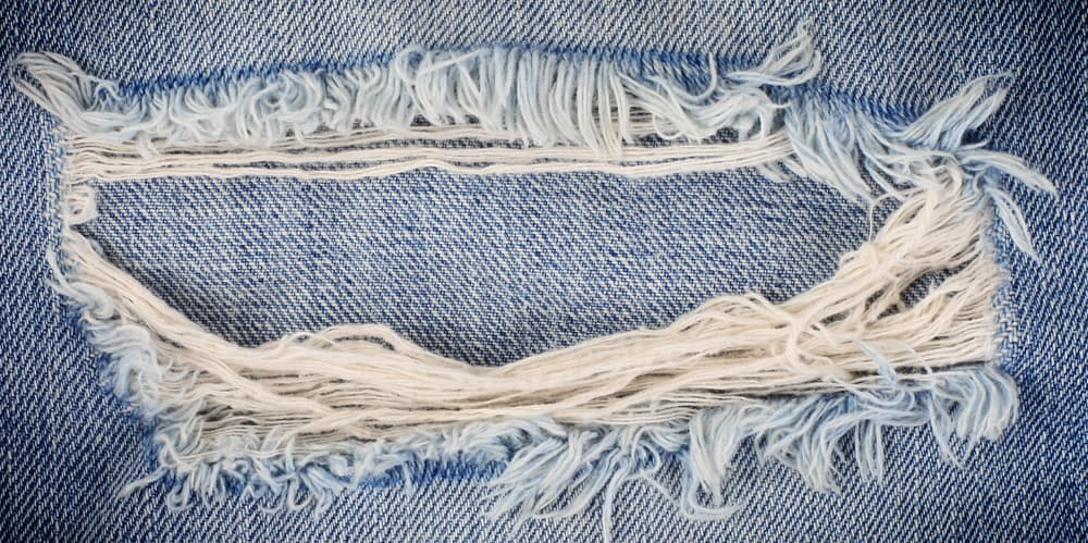 ripped jeans are inappropriate for a job interview